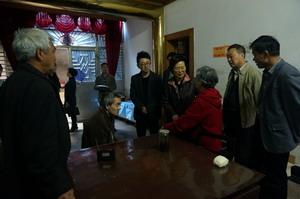 市人大常委会副主任华博雅走访雪浪街道长广社区