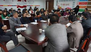 市人大常委会副主任吴峰枫走访尚锦城社区